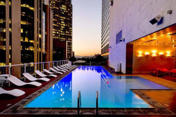 King Pool suite