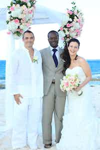 Who Can Officiate a Wedding in The Bahamas?