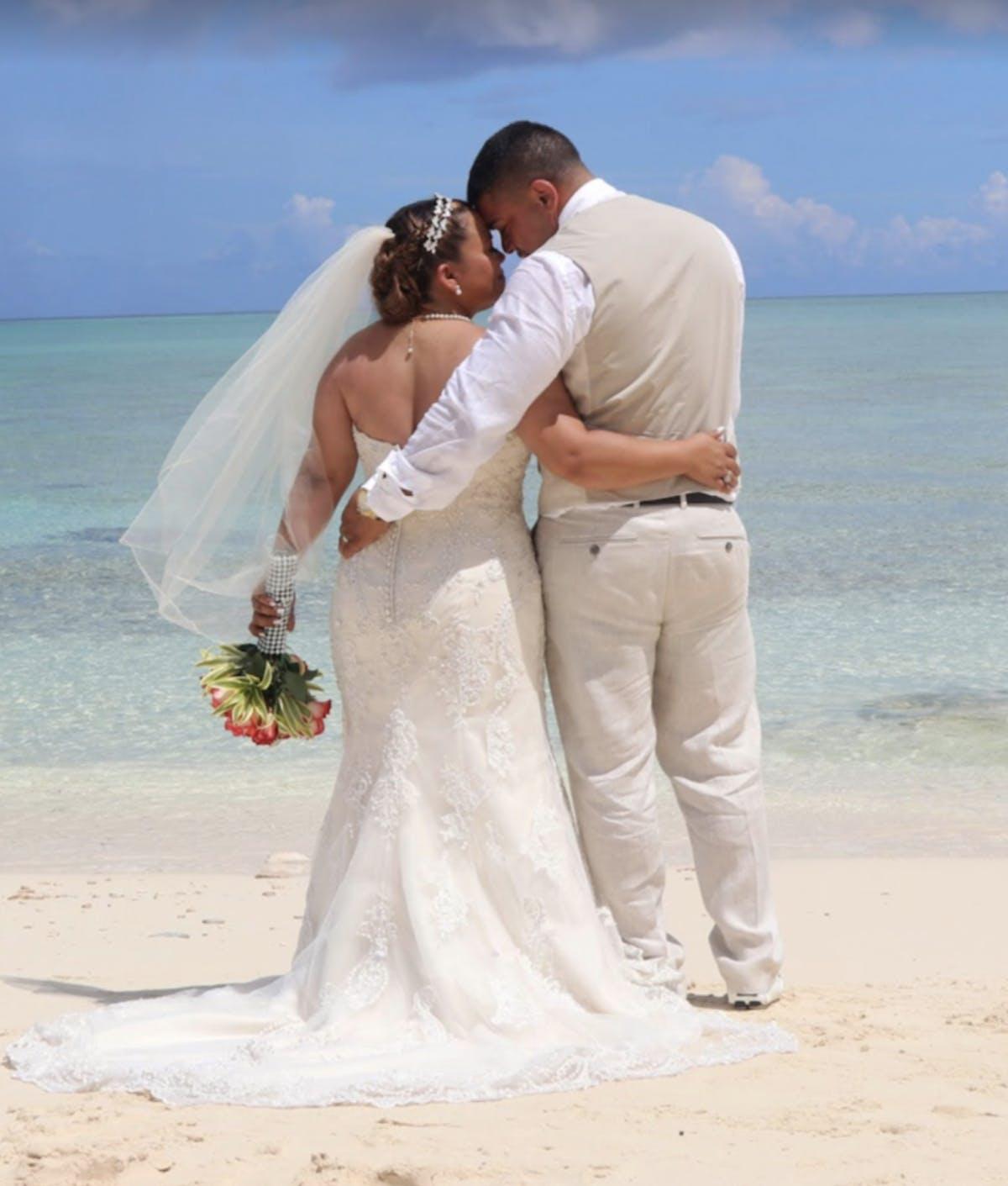 Paradise Island Bahamas elope
