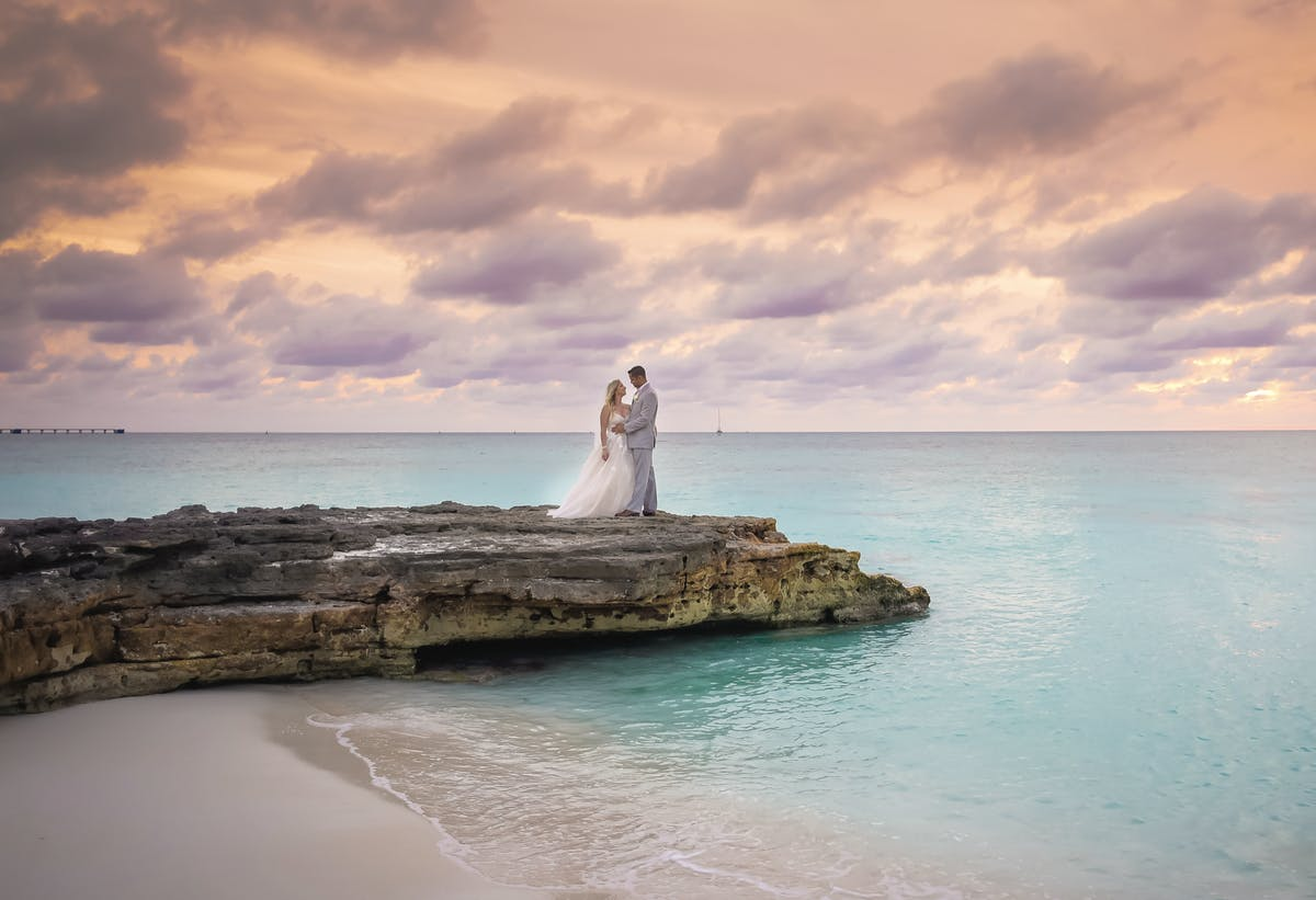 Wedding in The Bahamas at Hilton Resorts World Bimini